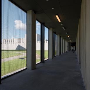 Antwerpen - Forensisch Psychiatrisch Centrum - Gang | Anvers - Centre de Psychiatrie Légale - Couloir (c) VK Group