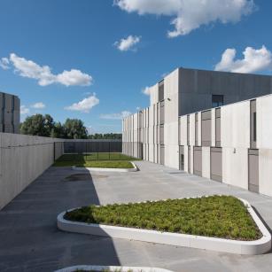 Antwerpen - Forensisch Psychiatrisch Centrum - Binnenkoer | Anvers - Centre de Psychiatrie Légale - Cour intérieure (c) VK Group
