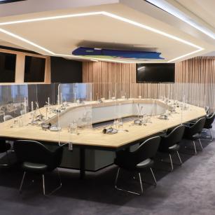 De gerenoveerde Ministerraadzaal / La salle du Conseil des ministres rénovée