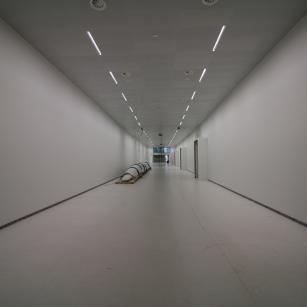 Tervuren - Koninklijk Museum voor Midden-Afrika - Ondergrondse tunnel met prauw | Tervueren - Musée royal de l'Afrique centrale - Tunnel souterrain avec pirogue